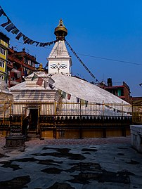 Buddhist temple in patan.jpg