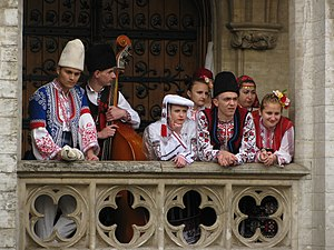 Bulgarian_folk_dancers_and_musicians_in_Brussels