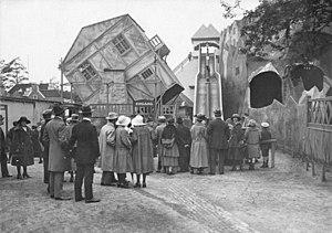 Luna Park, Berlin - Swivel House (1923)