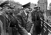 Bundesarchiv Bild 121-0723, Marburg-Drau, Adolf Hitler