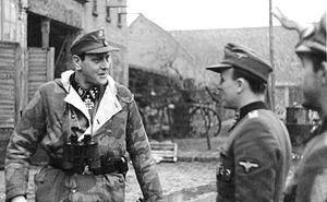 Bundesarchiv Bild 183-R81453, SS-Obersturmbannführer Otto Skorzeny an der Oder retouched