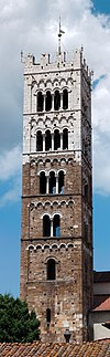 Campanile di Duomo di Lucca.jpg