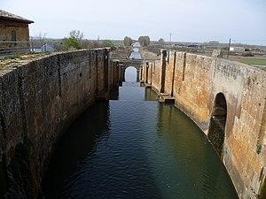 Canal de Castilla-Fromista-Palencia-Spain.jpg