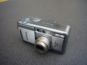 Canon PowerShot S - Image: Canon Power Shot S40 (front, open)