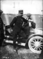Capitaine Burgeat et Latham, avril 1909 - (photographie de presse) - (Agence Rol).png