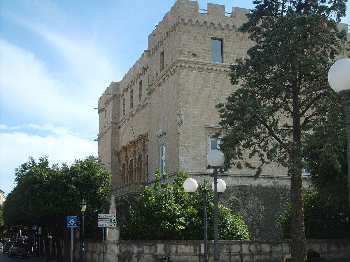 Castello di francavilla fontana wikipedia for Fiusco arredi francavilla fontana
