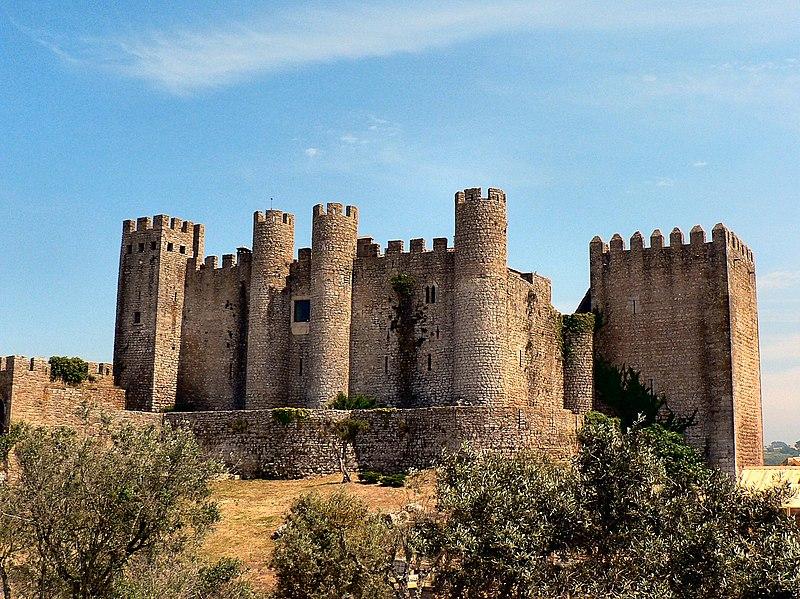 Image:Castelo de Óbidos - actual pousada.JPG