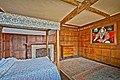 Castle Lodge Bedroom - panoramio.jpg