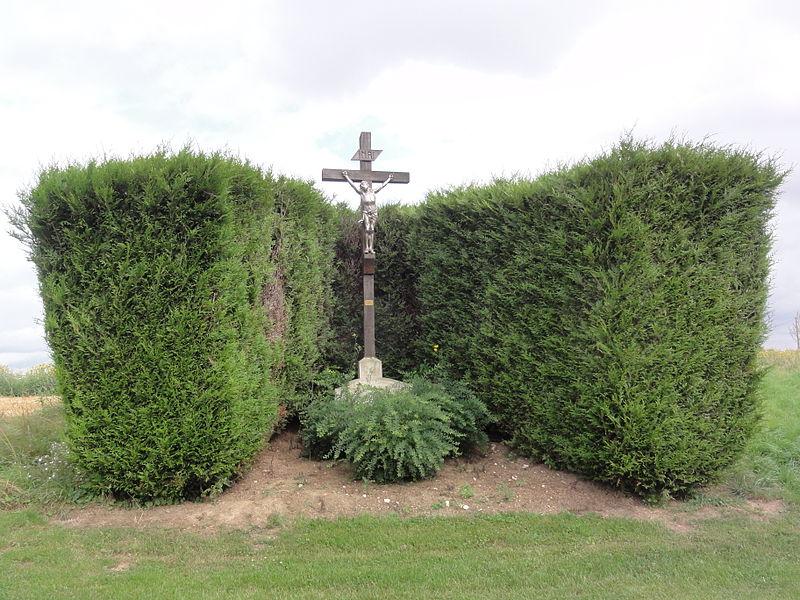 Caulaincourt (Aisne) croix de chemin