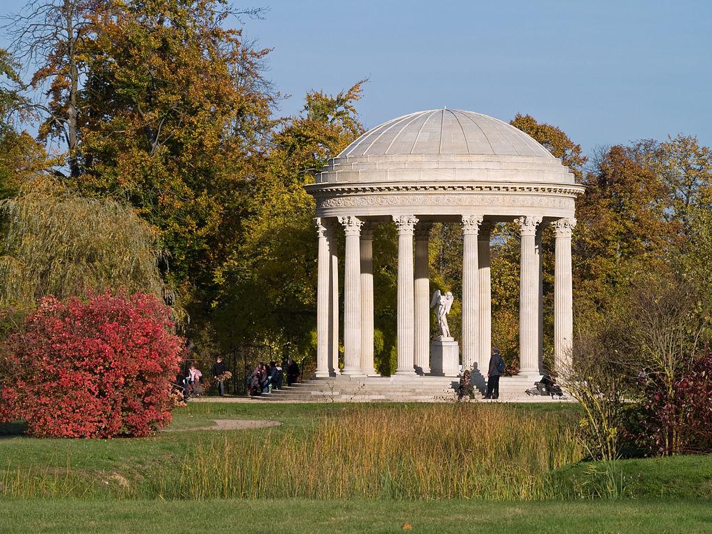 File chateau de versailles temple wikimedia commons for Jardin chateau de versailles