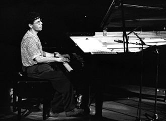 1992 in jazz - Chick Corea in concert at Deauville (Normandy, France) in 1992.