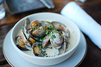 Clam chowder - Clam chowder with whole clams