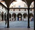 Claustre dels Homes de l'Hospital dels Innocents de Florència.JPG