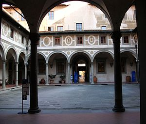 Ospedale degli Innocenti - Men's cloister; there was a different one for women.