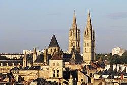 Sonorilejoj de malnova urbo Caen