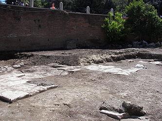 Colosseum (Rome) 7.jpg