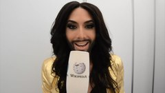 Plik:Conchita Wurst - Rise Like a Phoenix presentation (English).webm