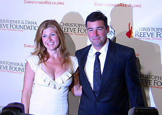 Kyle Chandler - Chandler with his Friday Night Lights co-star Connie Britton in December 2008