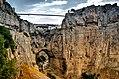 Constantine, les gorges du Rhummel, l'arche naturelle et le pont suspendu.jpg