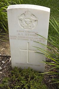 Corporal A L Stobbs gravestone in the Wagga Wagga War Cemetery.jpg