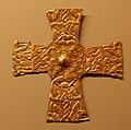 Crocette d'oro, da scavi in via monte suello 2 a verona, 610 dc ca. 02.jpg