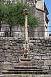 Cruceiro roto ante a igrexa de Santiago do Carril-Vilagarcía de Arousa-Galicia-34.jpg