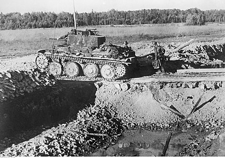 The 2nd Panzer Division still operated a large number of obsolete 38t tanks, which it had inherited from the departing 7th Panzer Division Czolg niemiecki na froncie pod Rzewem (2-920).jpg