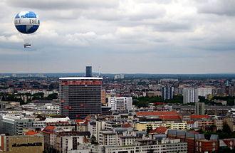 Die Welt - Image: DW over Berlin 2011 ubt