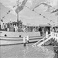 De Kabalebo met het koninklijk gezelschap vertrekt van Domburg in Suriname, Bestanddeelnr 252-4201.jpg