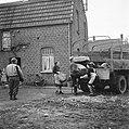 De bevolking van Roermond keert naar huis terug, Bestanddeelnr 900-2290.jpg