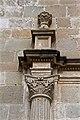 Detalle en columna fachada Zempola.jpg