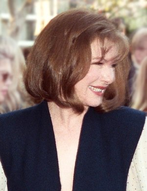 Dianne Wiest - Dianne Wiest at the 1990 academy awards.
