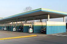 Un grosso complesso di distributori di metano in Italia, la diffusione di distributori per veicoli ad alimentazione alternativa è in continuo aumento