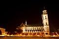 Dom zu Magdeburg Seitenansicht bei Nacht.jpg