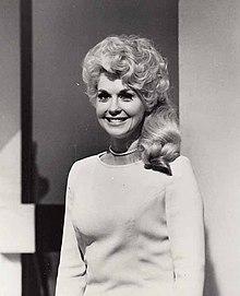 Donna Douglas 1967.JPG