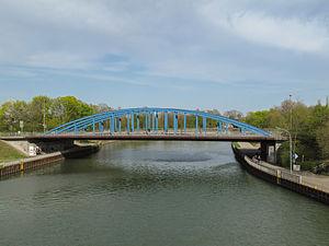 Wesel–Datteln Canal - Image: Dorsten, brug over Wesel Datteln kanaal foto 6 2011 04 09 16.55