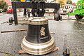 Dzwon z dzwonnicy przy Bazylice Św Anny.jpg
