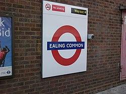 Ealing Common (18512320).jpg