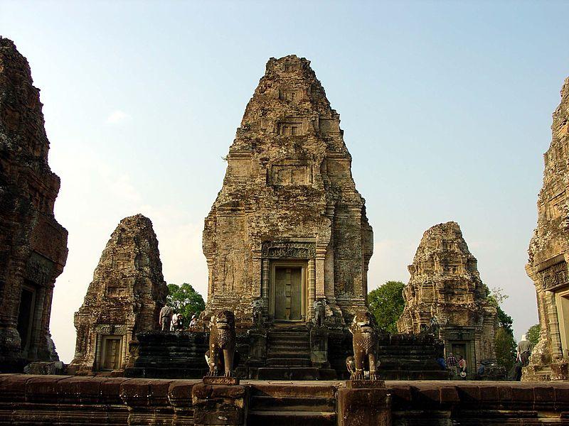 File:East Mebon Angkor 0643.jpg