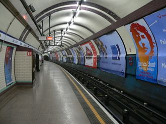 Earl's Court tube station - The eastbound Piccadilly line platform