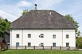 Ebenthal Gurnitz Kirchenstrasse 30 Altes Braeuhaus Ost-Ansicht 22042016 1751.jpg