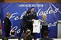 El Real Madrid ofrece su 34ª liga de baloncesto a los madrileños 07.jpg