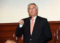 El parlamentario Javier Bedoya (6881715268).jpg