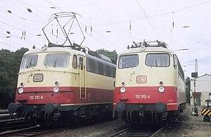 DB Class E 10 - DB Class 112 engines in Hamburg 1984