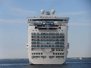 Emerald Princess Stern Tallinn 2 August 2012.JPG