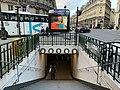 Entrée Station Métro Pyramides Paris 5.jpg