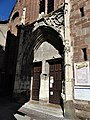 Espalion ancienne église portail.jpg