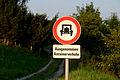 Fahrverbot für alle Kraftfahrzeuge außer einspurigen Motorrädern Haag.JPG