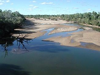 Blick auf den Fluss von der Brücke in Fitzroy Crossing