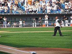 2005 World Series - Frank Thomas throws out the ceremonial first pitch of the 2005 ALDS between the White Sox and Red Sox.